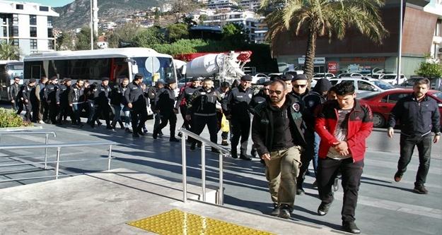 Alanya'daki dev torbacı operasyonuna 16 tutuklama!