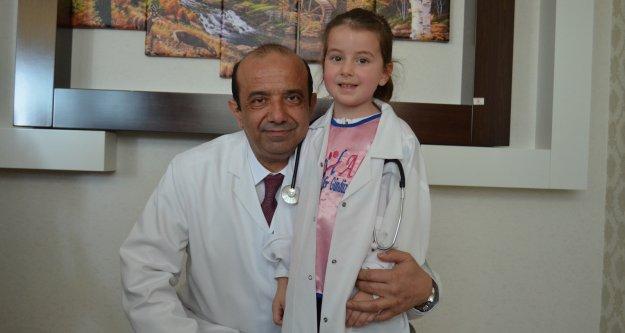 Alanyalı miniklerden doktor ziyareti