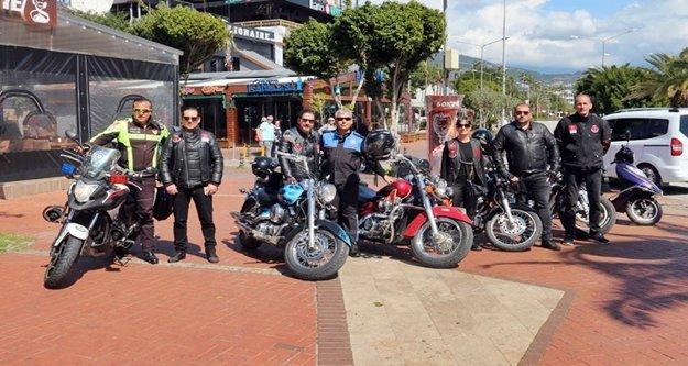 Alanyalı motosikletçilerden kamu spotuna destek