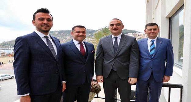 Bakan Ersoy'dan Alanya Cumhur İttifakı'na ziyaret