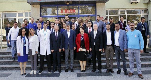 Başkan Türel'den doktorlara ziyaret