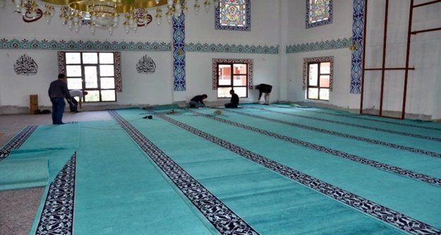 Büyükşehir 3 caminin halılarını yeniledi