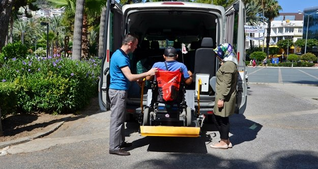 Büyükşehir Alanya'daki engelli vatandaşları unutmadı