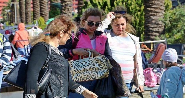 İran'daki ekonomik kriz 5 yıldızlı sokak pazarının yerini değiştirdi