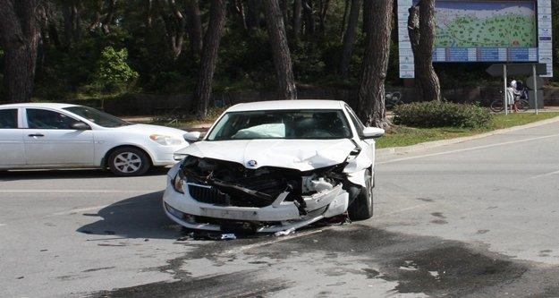 2 ayrı kazada 3 kişi yaralandı