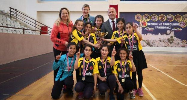 Alanya'da hentbol şampiyonası sona erdi