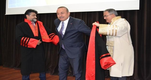 Çavuşoğlu: 'Tarihini unutmak isteyenlerden tarih dersi alacak değiliz'