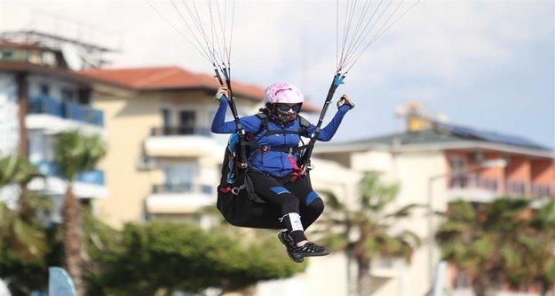 Dünya yamaç paraşütü hedef şampiyonası Alanya#039;da yapılıyor