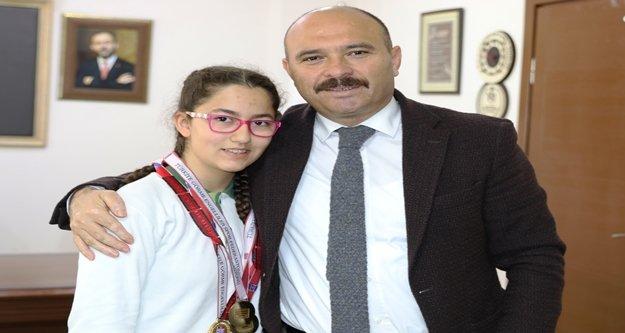 Elfin Alanya'da Türkiye şampiyonu oldu