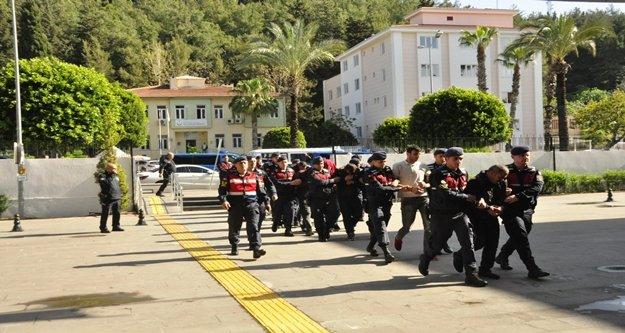 Fuhuş operasyonuna 10 tutuklama