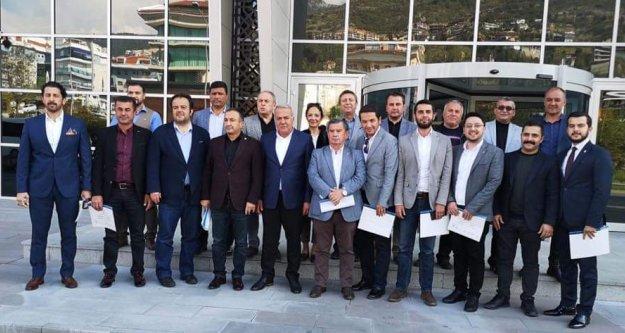 Millet İttifakının meclis üyeleri mazbatalarını aldı