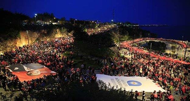 On binlerce Antalyalı yürüdü