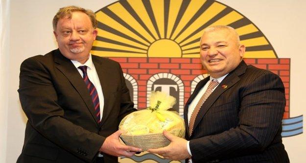 Rus Başkonsolos Rogoza'dan Başkan Şahin'e ziyaret