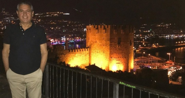 Abbas Güçlü bayramı Alanya'da kutladı