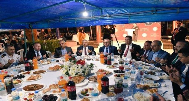 AESOB'dan bin 400 kişilik iftar