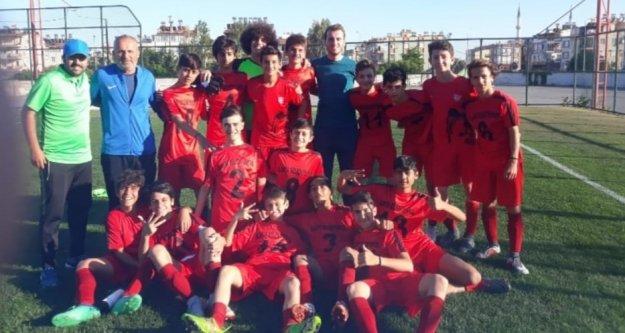 Alanya Belediyespor U14 Antalya Şampiyonu