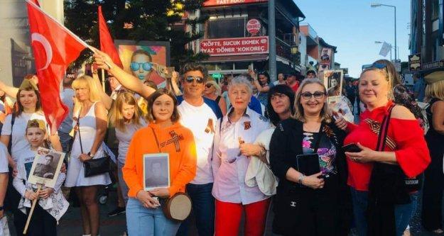 Alanya'daki Ruslar Zafer Gününü kutladı