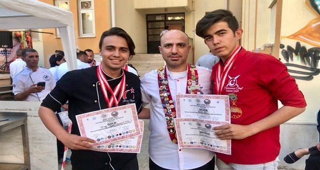 Alanya'ya yemek yarışmasında 4 madalya getirdiler
