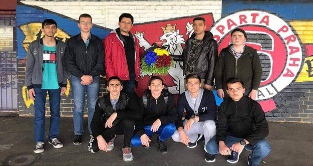 Alanyalı öğrenciler Josef Sural'ı Prag'da andılar