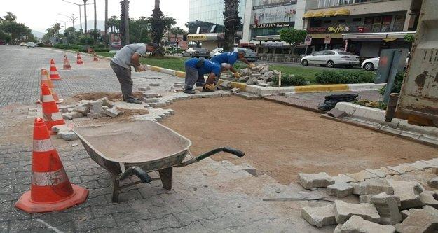Antalya Büyükşehir'den Alanya'da araçlar ve yayaları rahatlatacak çalışma
