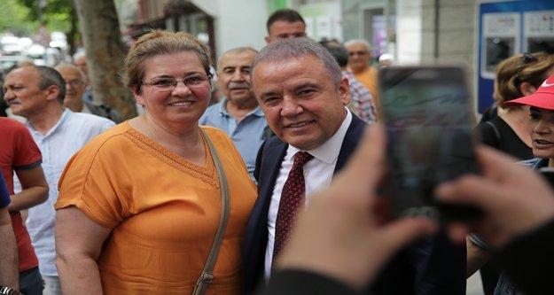 Başkan Böcek İstanbul'da Antalyalı hemşehrileri ile buluştu