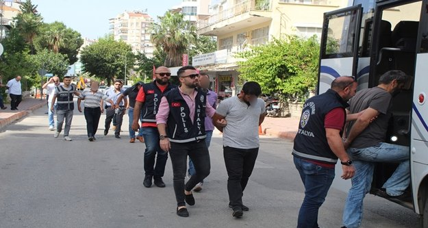 İçinde ihraç polislerin de olduğu çeteye kaparo baskını: 15 gözaltı