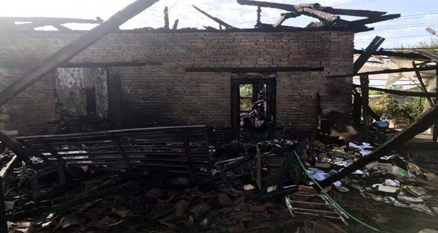 Yemek yerken komşuları evin yandığını haber verdi, çift kurtuldu