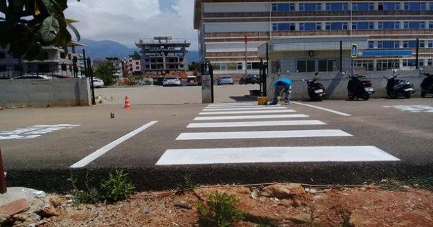 Alanya'da asfalt ve yol çalışmalarına ara verilmiyor