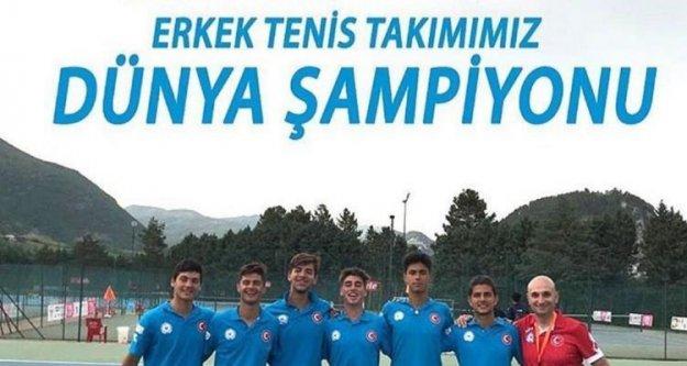 Alanyalı Burak'ın takımı ikinci kez dünya şampiyonu oldu