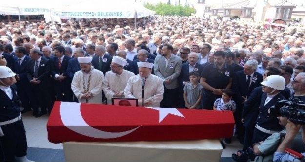 Antalya'da hayatı kaybeden CHP'li vekil toprağa verildi