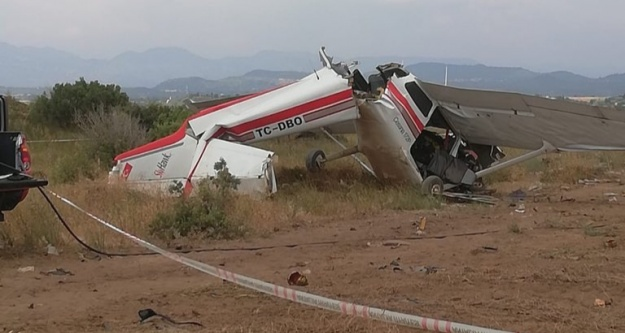 Antalya'da uçak düştü! Ölü ve yaralılar var