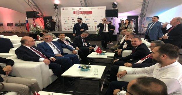 Başkan Böcek Rusya'da Türkiye ve Antalya'yı tanıttı