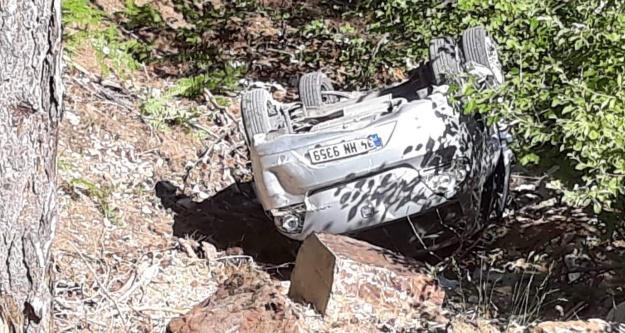 Alanya'da yayla yolunda bir araç uçuruma yuvarlandı
