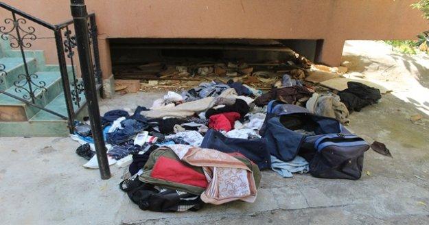 Balkon altına bırakılan çantalar polisi alarma geçirdi