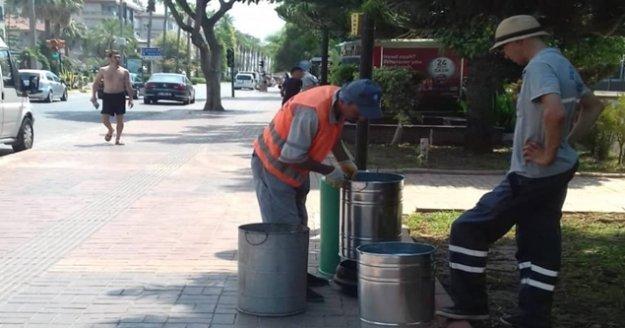 Büyükşehir Alanya'daki çöp kovalarını yeniledi