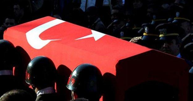 İçişleri Bakanlığı Hakkari'de 3 askerin şehit olduğunu duyurdu