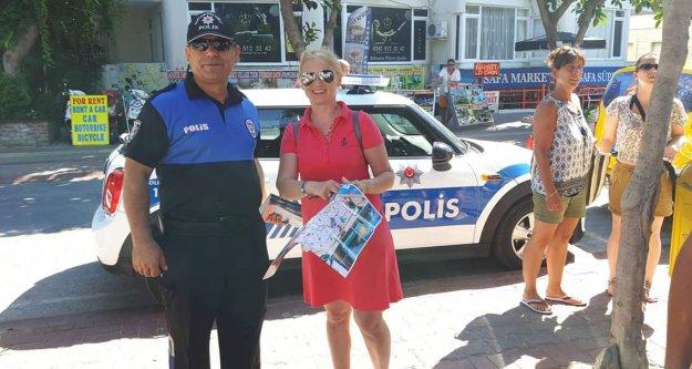 Polis Mini Coopear'la harita dağıttı