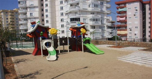 Tosmur Mahallesi'ne yeni çocuk parkı