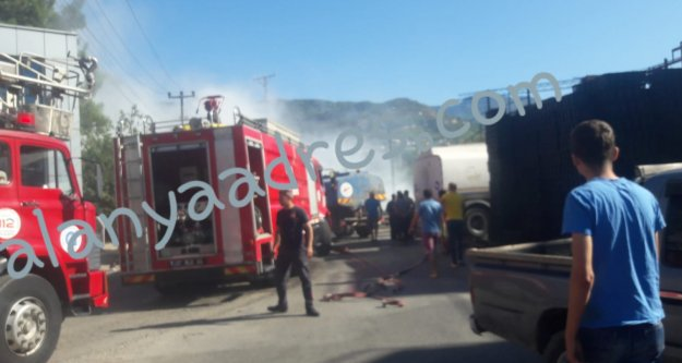 Alanya'da fabrikada korkutan yangın