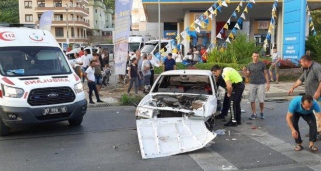 Alanya'da feci kaza: 2'si çocuk 4 yaralı var
