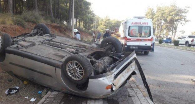 Alanya plakalı araç Manavgat'ta takla attı: 2 yaralı var