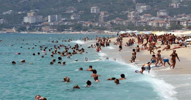 Alanya'da turizme bayram dopingi