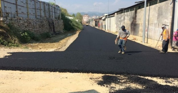 Büyükşehirden Alanya Payallar Sanayi Sitesi'ne altyapı ve asfalt