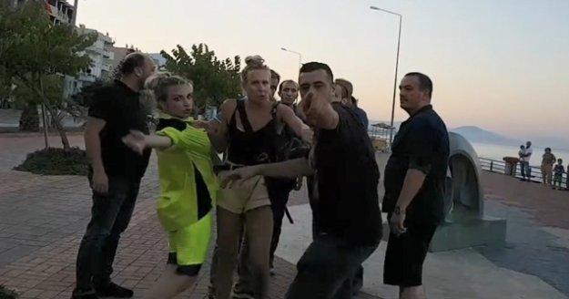 Canlı yayında turist kavgası