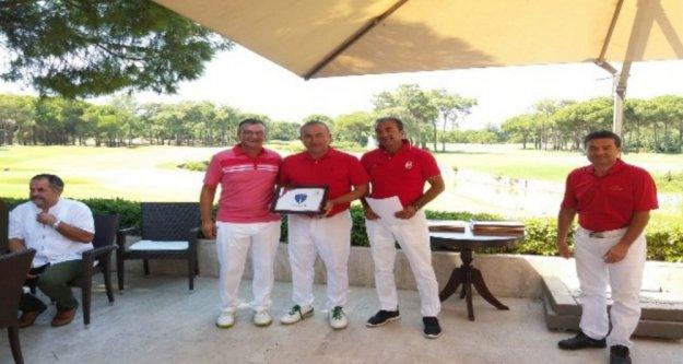 Çavuşoğlu otizmli çocuklar için golf turnuvasına katıldı