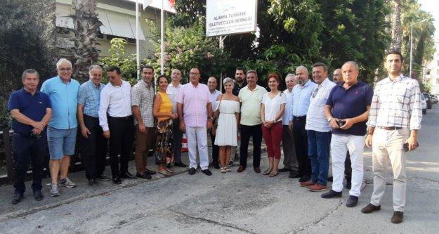 CHP'li Budak ALTİD'de turizmcileri dinledi