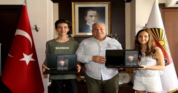 ALTSO Başkanı Şahin'den başarılı öğrencilere ödül