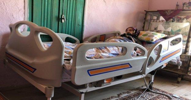 Mehmet Amca ve Hafize Teyze'ye hasta yatağı sürprizi