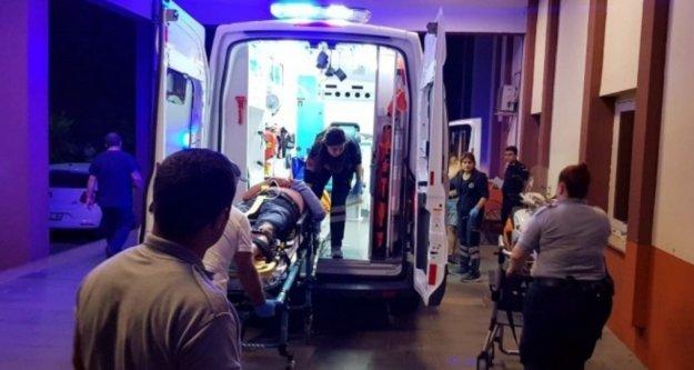 Tür otobüsü devrildi: 1 ölü, 17 yaralı var