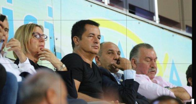 Acun Ilıcalı Alanya Fenerbahçe maçını izledi
